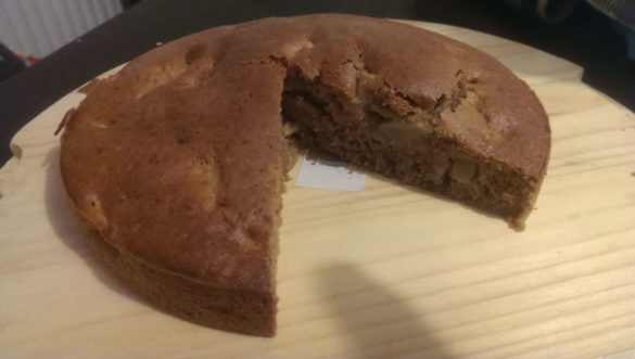Gâteau moelleux aux pommes  sans oeufs sans beurre