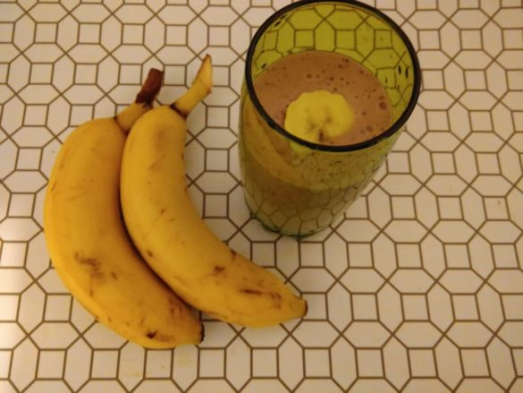 Smoothie bananes fruits rouges